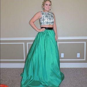 Size 6 Emerald Green Sherri Hill two piece dress